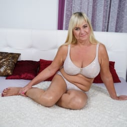 Pam Pink in '21Sextury' Granny Pam's Big Tits (Thumbnail 1)