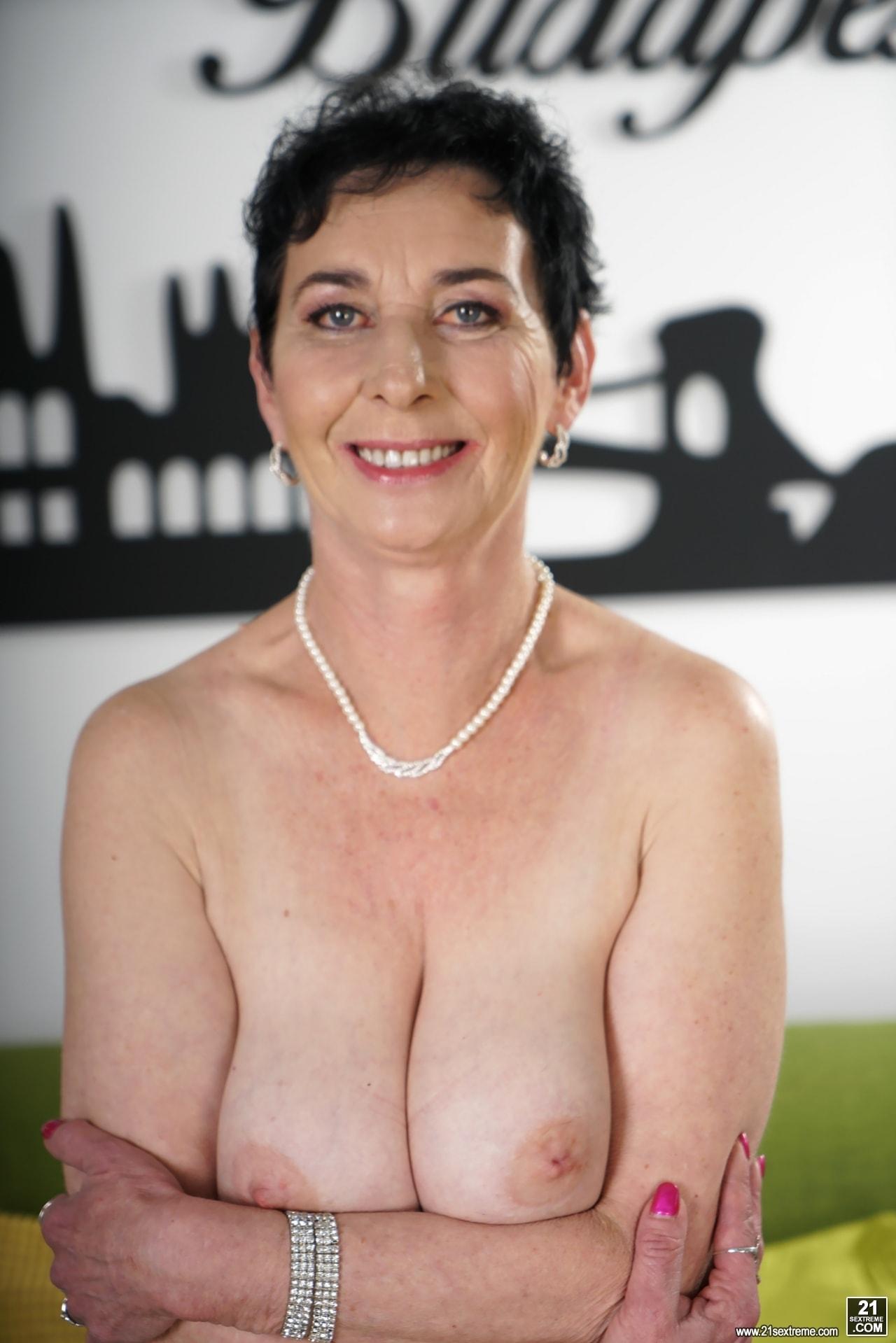 21Sextury 'Lust For Pixie' starring Pixie (Photo 32)