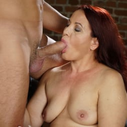 Red Mary in '21Sextury' Granny's Glass Dildo (Thumbnail 30)