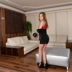 Renata Fox in '21Sextury' Digging Holes (Thumbnail 5)