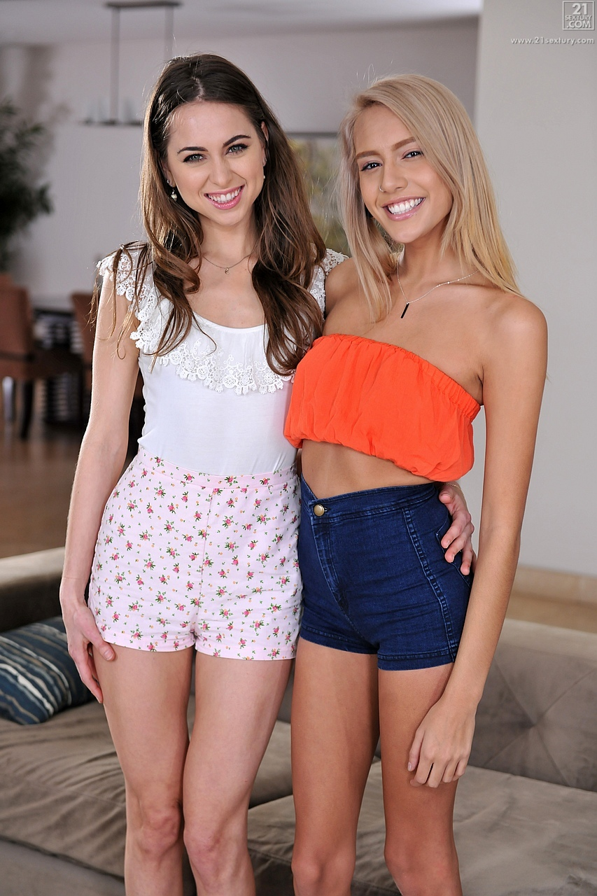 21Sextury 'Sexy Shoplifters Part 1' starring Riley Reid (Photo 1)