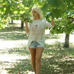 Rossella Visconti in '21Sextury' The Forbidden Fruit (Thumbnail 1)