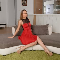 Sabrina Moore in '21Sextury' Everything can wait (Thumbnail 1)