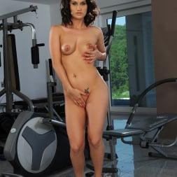 Sandy in '21Sextury' Wet Yoga Pants (Thumbnail 447)