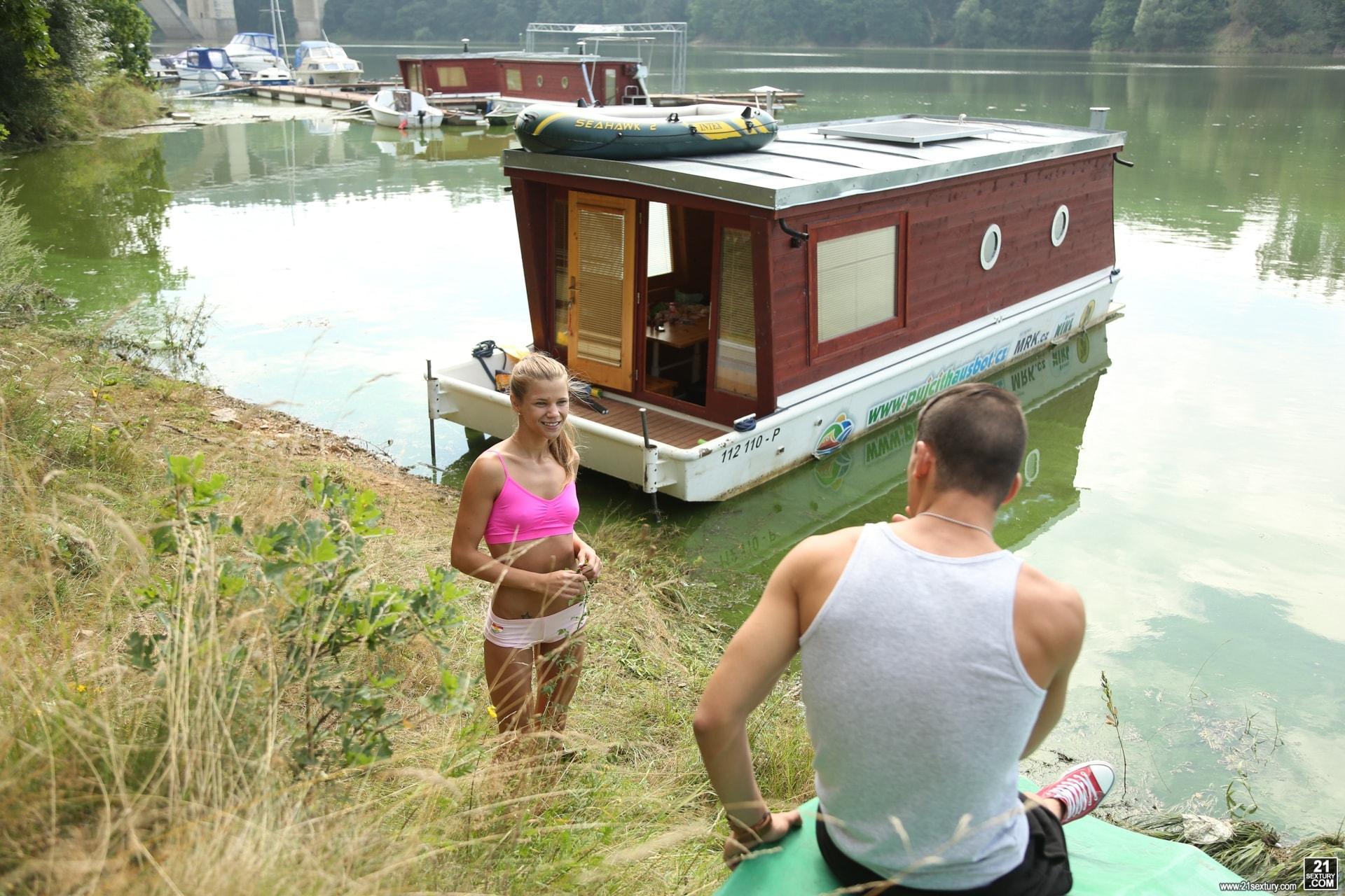 21Sextury 'House Boat Full of Teens' starring Sara Kay (Photo 5)