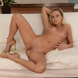 Serenity in '21Sextury' Bowl and Dildo (Thumbnail 70)