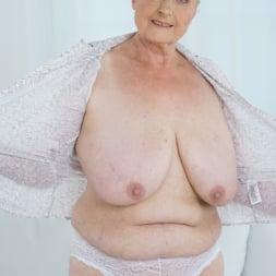 Sila in '21Sextury' Lustful Golden Girl (Thumbnail 19)