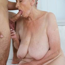 Sila in '21Sextury' Lustful Golden Girl (Thumbnail 95)