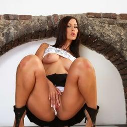 Simone Peach in '21Sextury' Peachy Delight (Thumbnail 40)