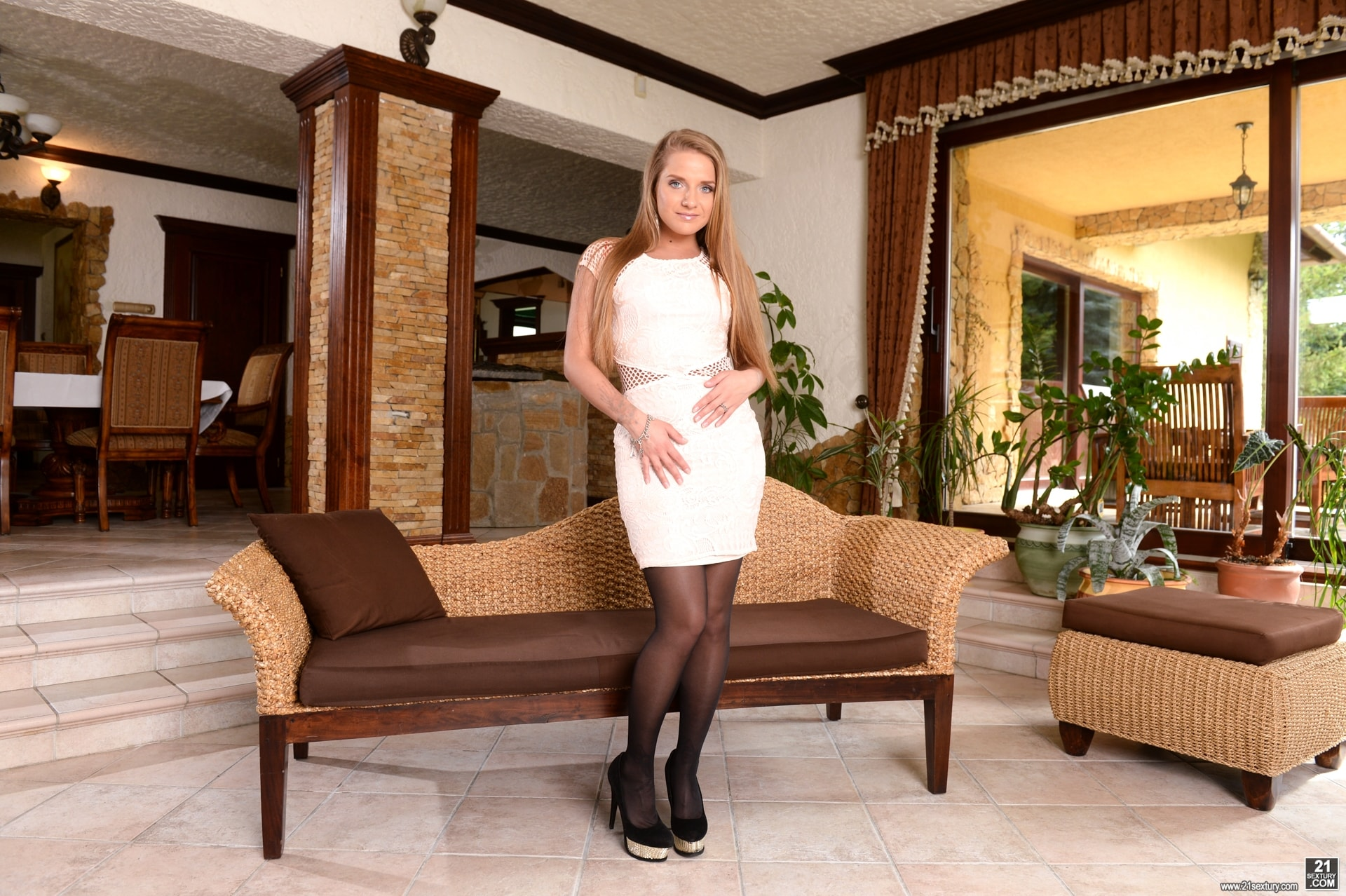 21Sextury 'Make Sure Your Wife's Out...Or Not!' starring Sofi Goldfinger (Photo 1)