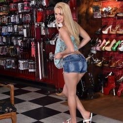 Staci Carr in '21Sextury' Dressing Room Naughtiness (Thumbnail 15)
