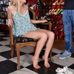 Staci Carr in '21Sextury' Dressing Room Naughtiness (Thumbnail 105)