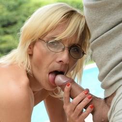 Sue in '21Sextury' Sassy Sue (Thumbnail 33)