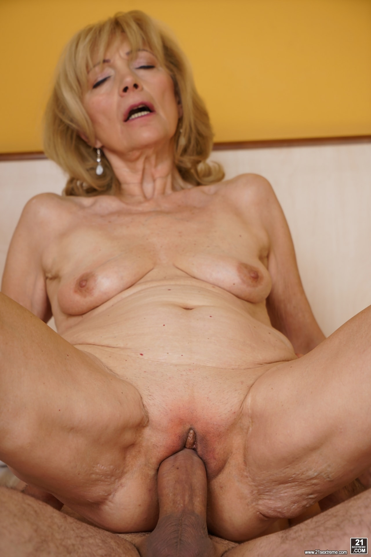 20 inch of pure anal fun 8