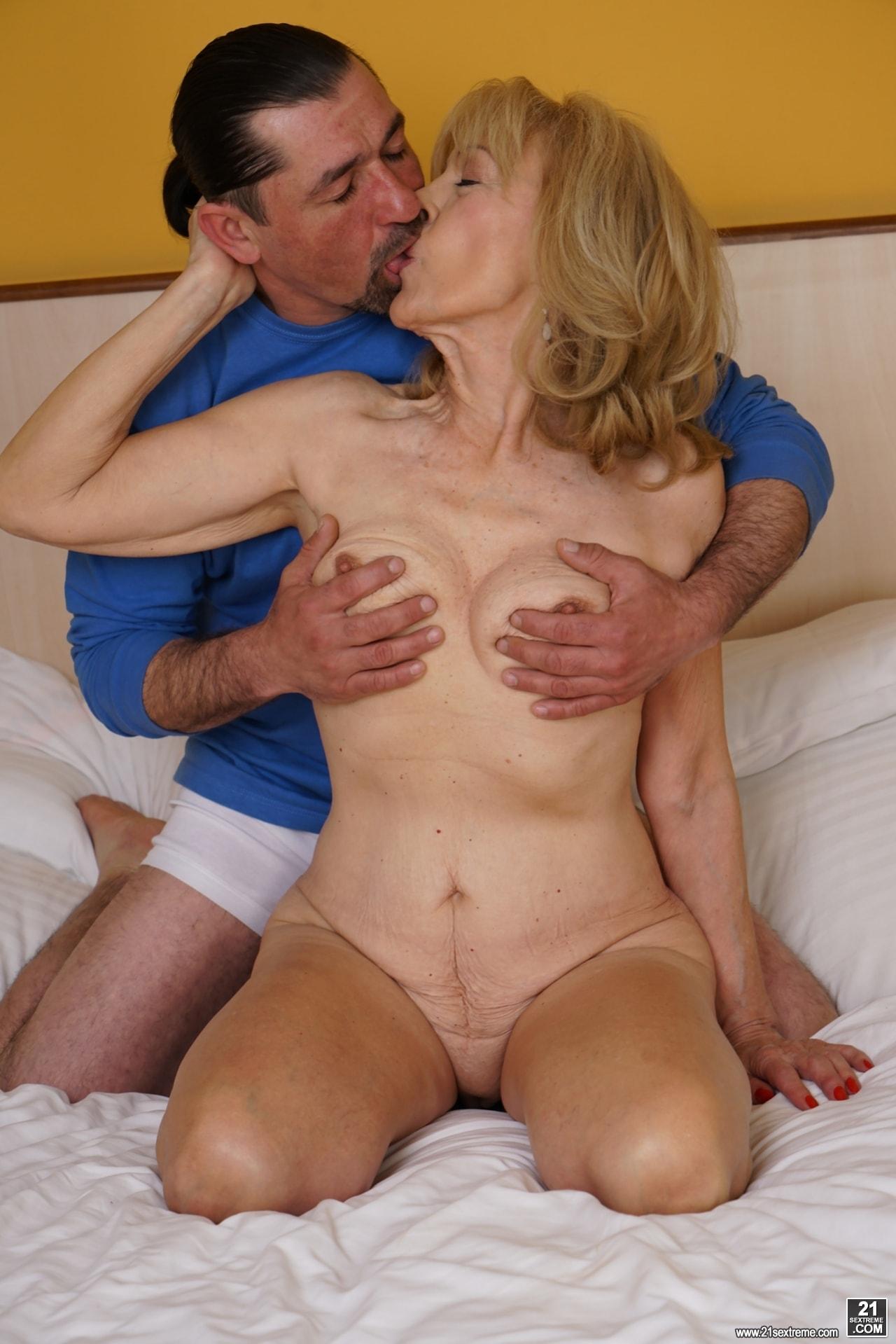21Sextury 'Lusty Szuzanne's Naughty Fun' starring Szuzanne (Photo 36)