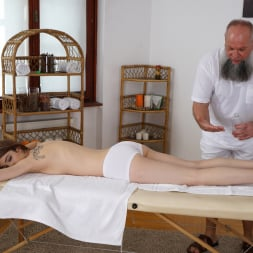 Tera Link in '21Sextury' Let Grandpa Massage You (Thumbnail 34)