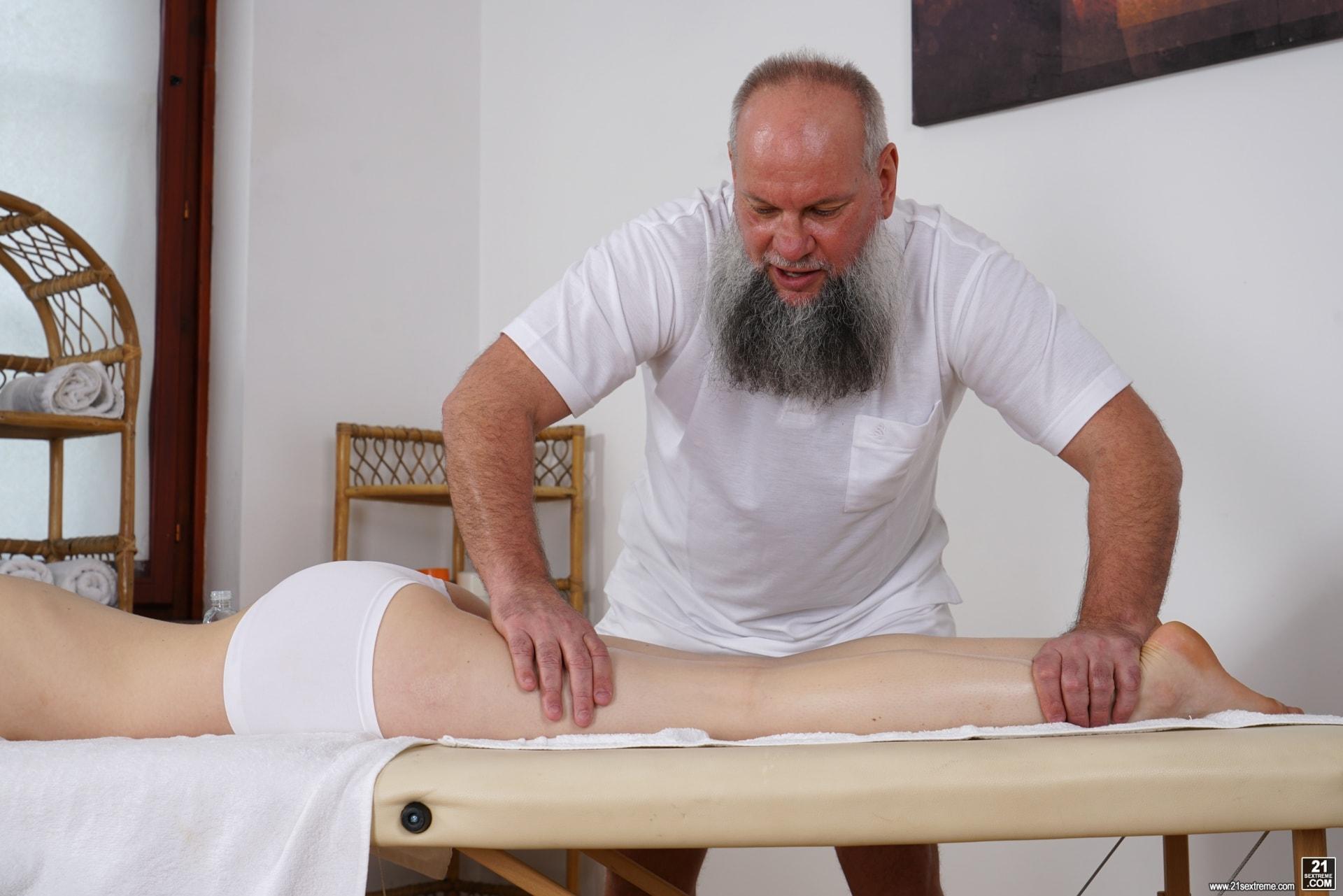 21Sextury 'Let Grandpa Massage You' starring Tera Link (Photo 51)