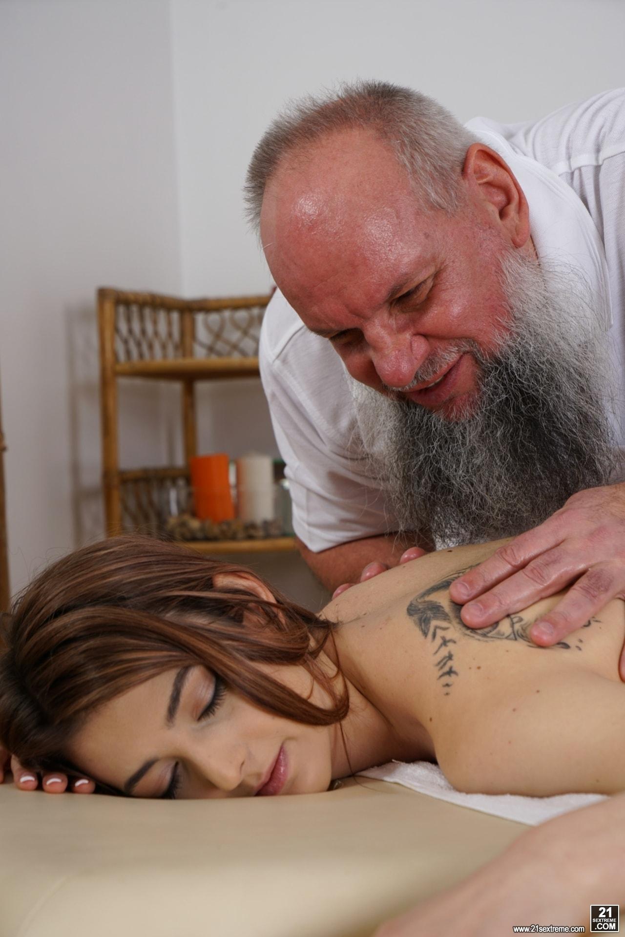 21Sextury 'Let Grandpa Massage You' starring Tera Link (Photo 68)