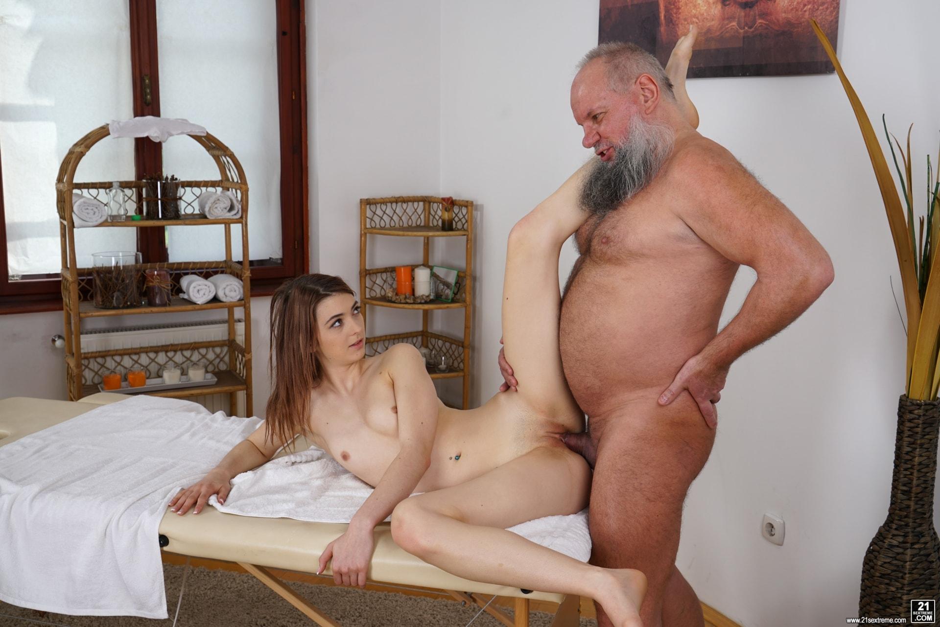 21Sextury 'Let Grandpa Massage You' starring Tera Link (Photo 187)