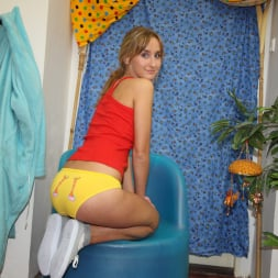 Tracy Gold in '21Sextury' Squirting Blonde (Thumbnail 4)