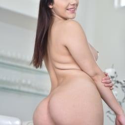 Valentina Nappi in '21Sextury' Brunch and Boobs (Thumbnail 60)