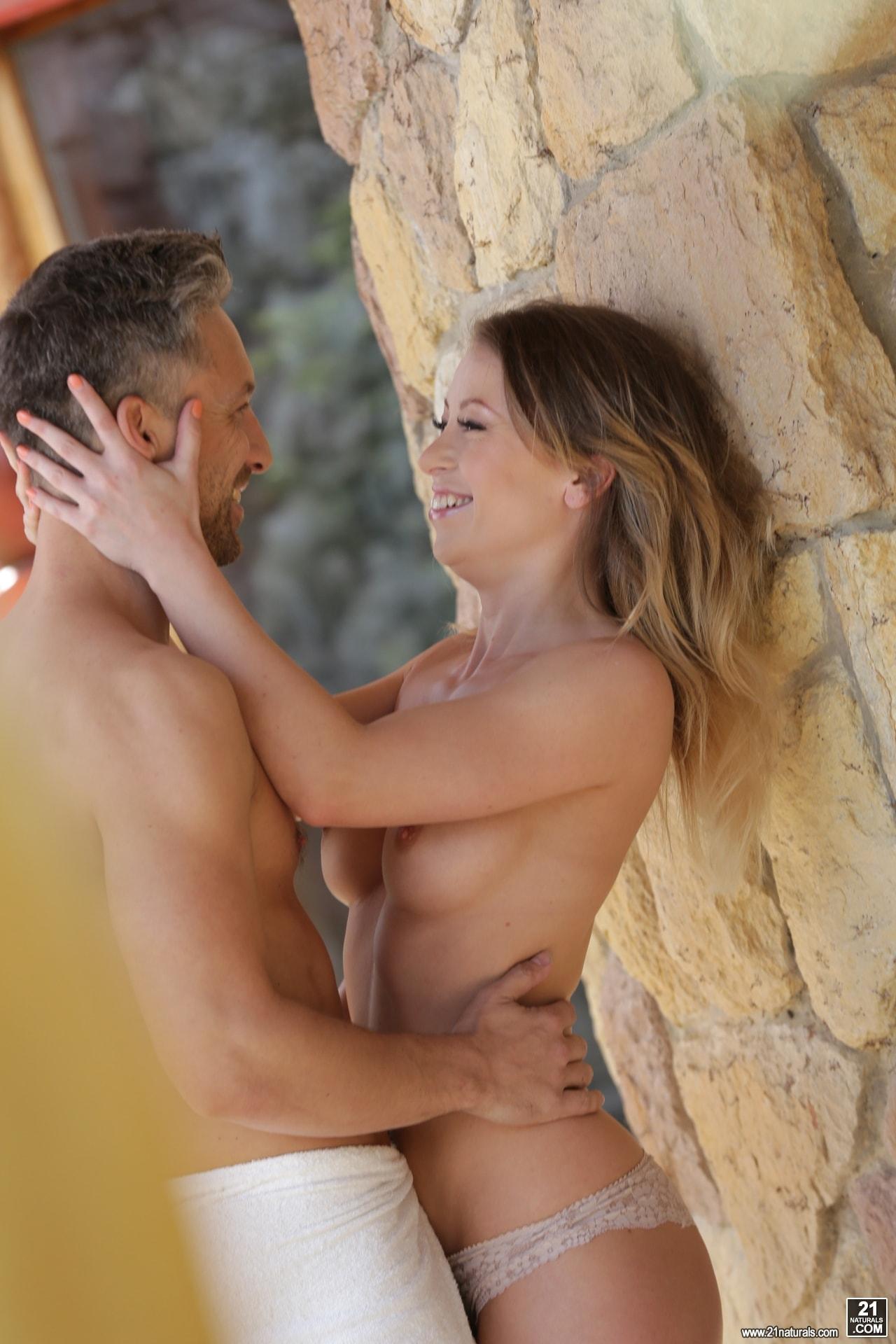 21Sextury 'Garden Sex' starring Vera Wonder (Photo 36)
