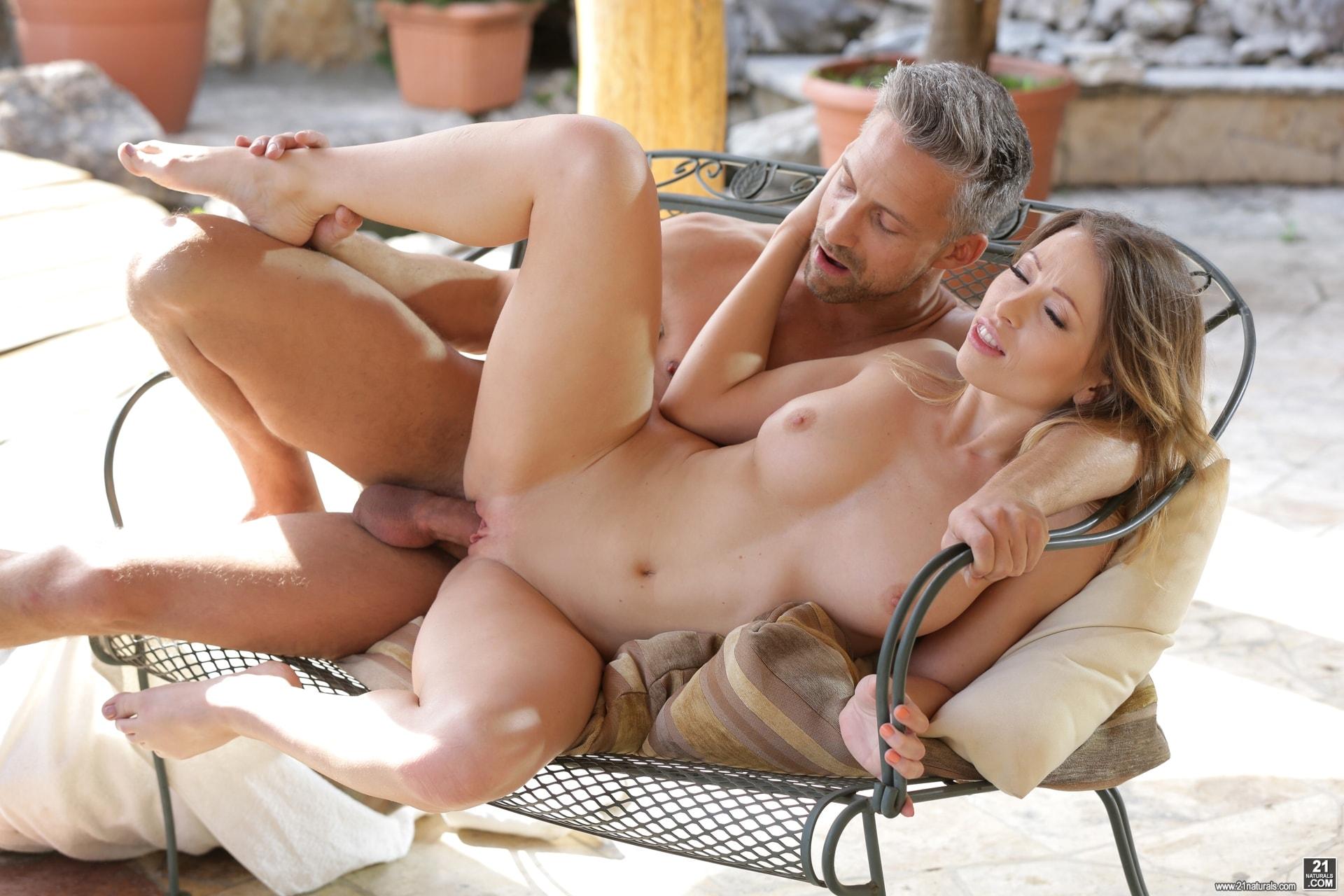 21Sextury 'Garden Sex' starring Vera Wonder (Photo 125)