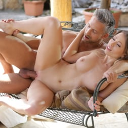 Vera Wonder in '21Sextury' Garden Sex (Thumbnail 125)