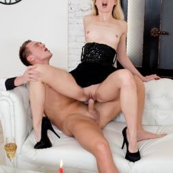 Via Lasciva in '21Sextury' Pop My Champagne (Thumbnail 171)