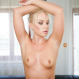 Vinna Reed in '21Sextury' Being Blonde Never Gets Old (Thumbnail 8)