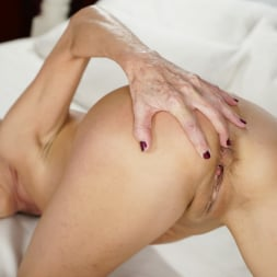 Viol in '21Sextury' The Red Room (Thumbnail 30)