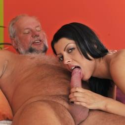 Vivien Bell in '21Sextury' Grandpa's After Pool Screw (Thumbnail 153)